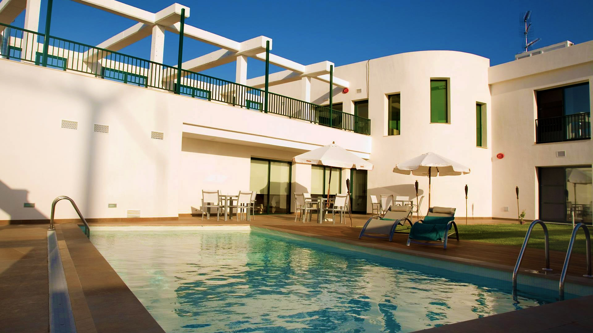 Inici hotel l 39 algadir del delta for Piscina amposta